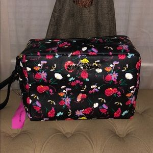 😻 Large Betsey Johnson Cosmetics / Essentials Bag